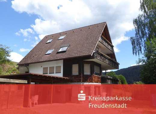 Großzügiges Einfamilienhaus mit Einliegerwohnung in Baiersbronn-Röt