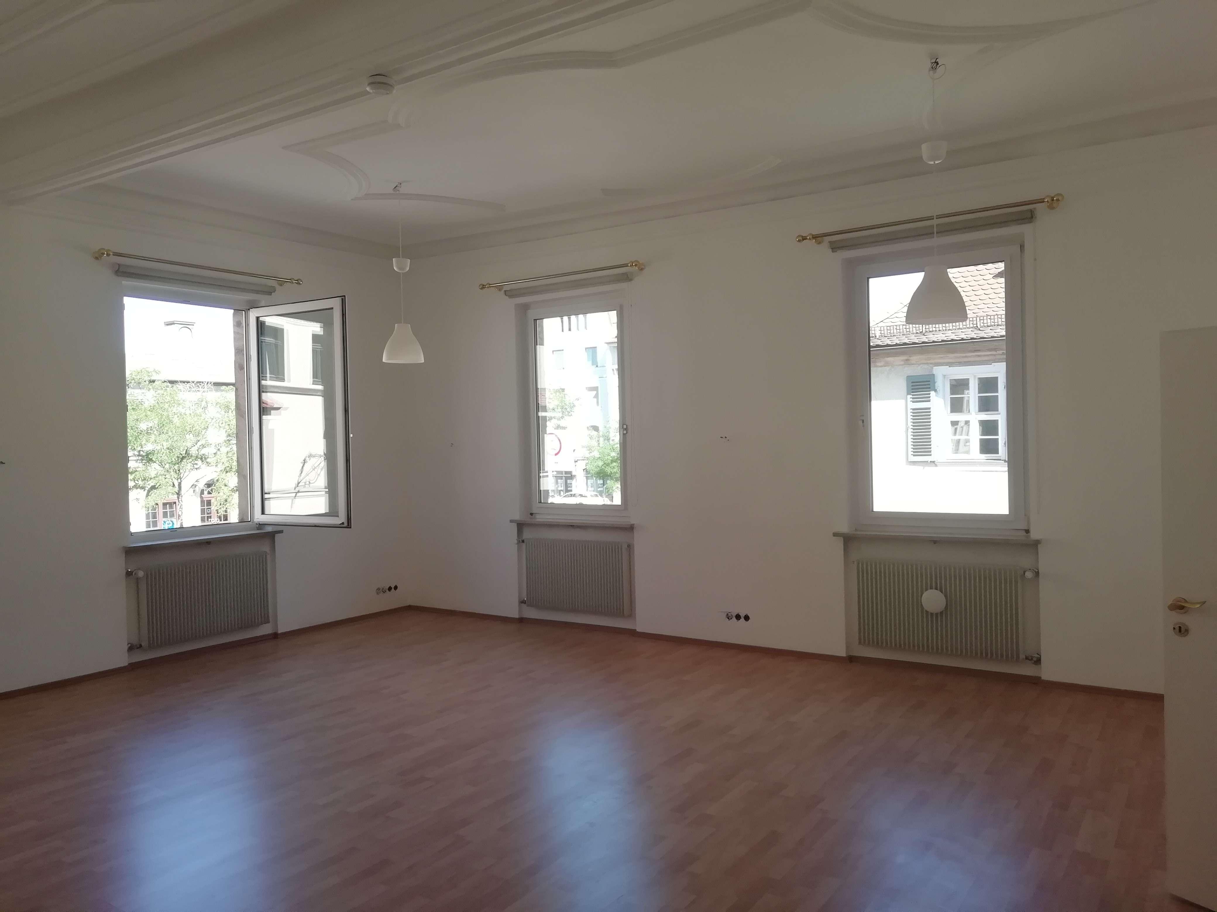Ideal für Paare und Familien mit kleineren Kindern: 4-Zimmer-Altbau-Wohnung im Herzen von Erlangen in Erlangen - Zentrum (Erlangen)
