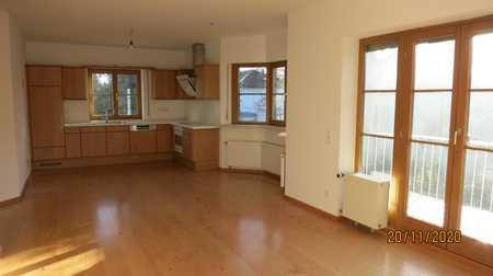 Helle, modernisierte 3-Z-Wohnung mit großem Balkon & Einbauküche in Hadern, Nähe U-Bahn Großhadern in Hadern (München)