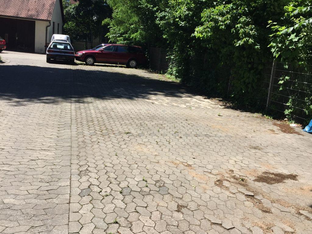 Autoabstellplatz vord. Bereich