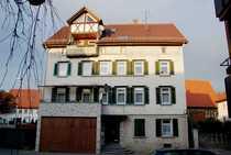 3 Wohnungen und eine Scheune renovierungsbedürftig