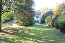 Helles Einfamilienhaus mit uneinsehbarem Garten