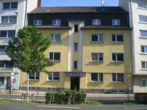 Renovierte 3-Zimmer-Altbau Wohnung mit Balkon