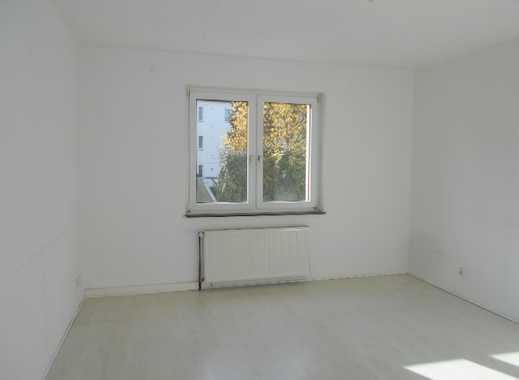Schöne helle 4 Zimmerwohnung in Bahnhofsnähe zu vermieten!