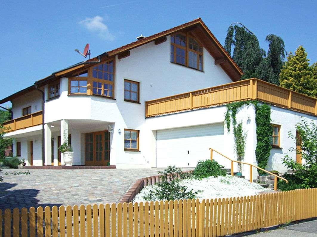 Schöne Wohnung in ruhiger Lage mit Dachterrasse in Taufkirchen (Mühldorf am Inn)