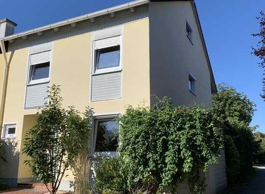 Schönes Reiheneckhaus mit sechs Zimmern in Poing, LK Ebersberg