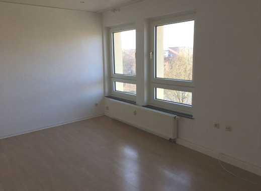 Hell, Balkon, renoviertes Duschbad, bezugsfrei