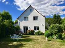 Bild Gepflegtes Einfamilienhaus mit großem Garten in familienfreundlicher Lage   -  Berlin Mariendorf -