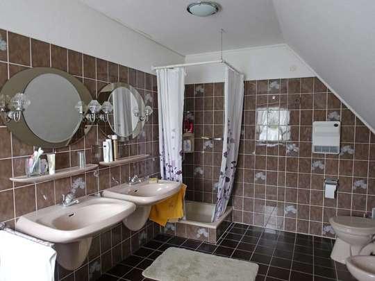 Großzügiges Einfamilienhaus mit angenehmen Extras - Bild 21