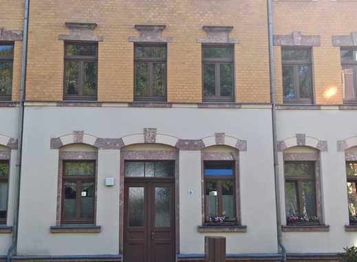 Attraktive 2-Zimmer-Wohnung im Stilaltbau mit Balkon