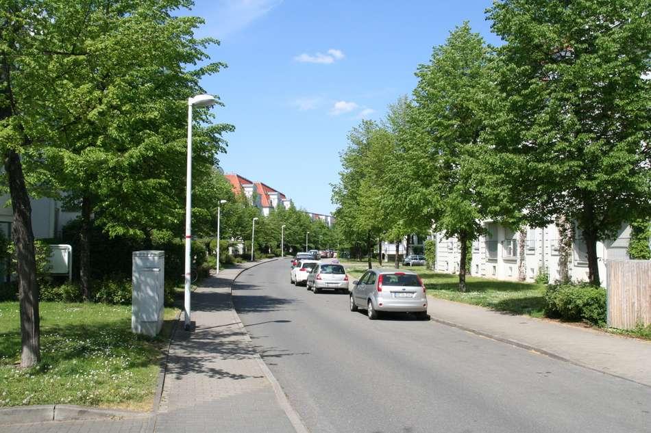 ruhige Zufahrtstraße 2