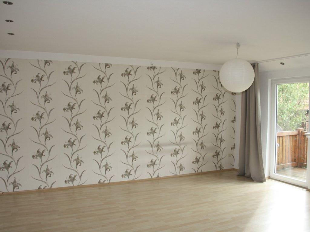120 m wohnung mit balkon im 2 og. Black Bedroom Furniture Sets. Home Design Ideas