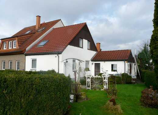Wunderschön, eingefriedetes Sonnengrundstück bebaut mit einer Doppelhaushälfte in Vennhausen