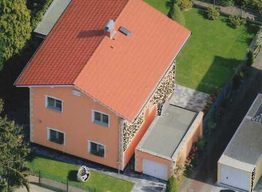 +++Provisionsfreies+++ kernsaniertes und freistehendes Zweifamilienhaus mit zwei Garagen, sehr ruhig