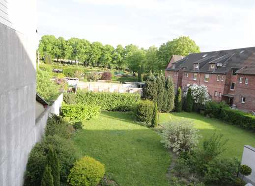 Renovierte 2,5 - Zimmer Wohnung mit Gartennutzung in Oberhausen, Sterkrade-Mitte