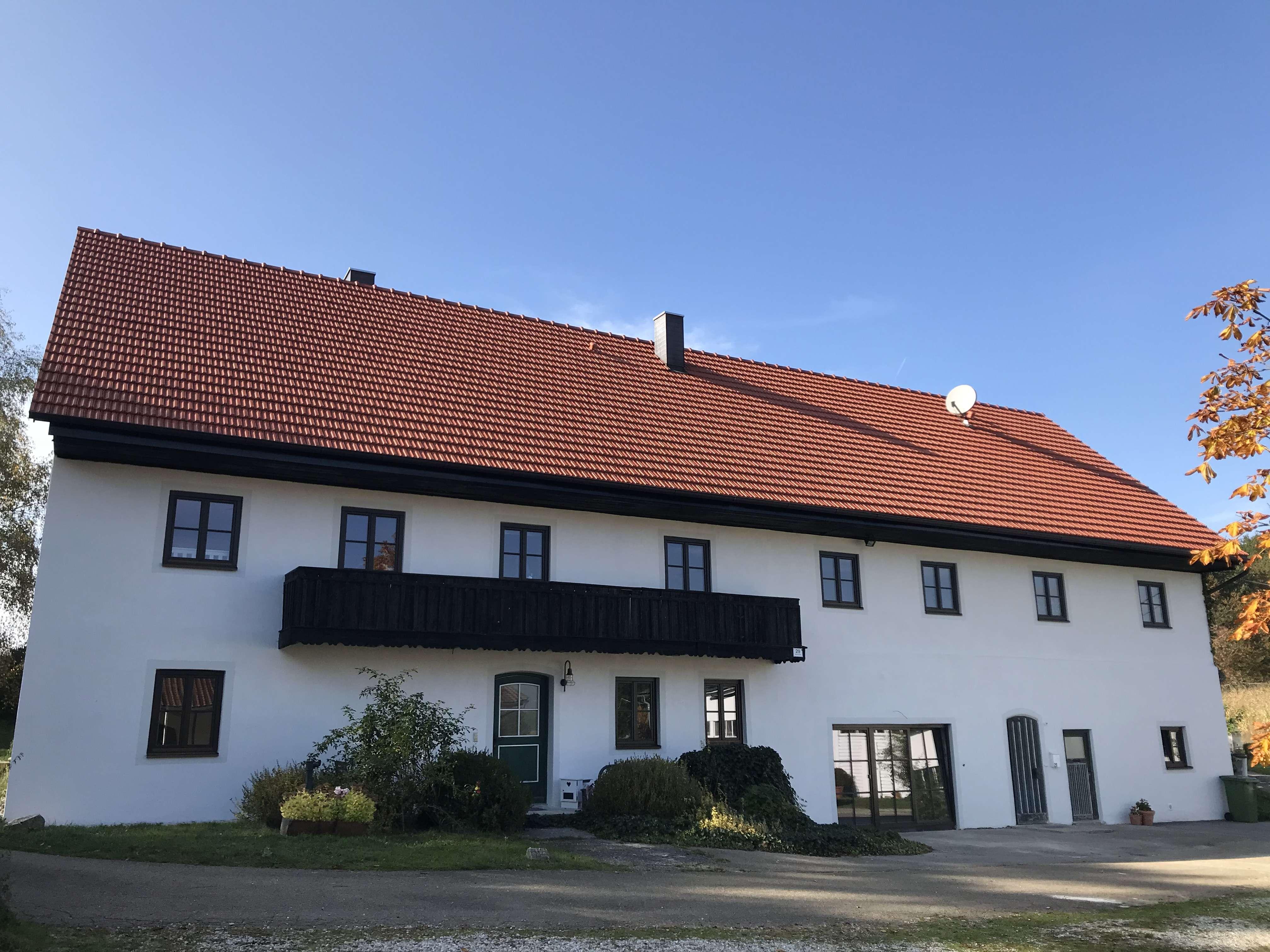 idyllisches Wohnen - 4 Zimmer Wohnung in gepflegten Bauernhaus, Liebhaberobjekt in Rottenburg an der Laaber