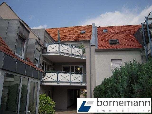 Eibach, ruhige Lage! Sonnige 3,5-Zimmer-Maisonette-Wohnung mit Dachterrasse + Garage in Eibach (Nürnberg)