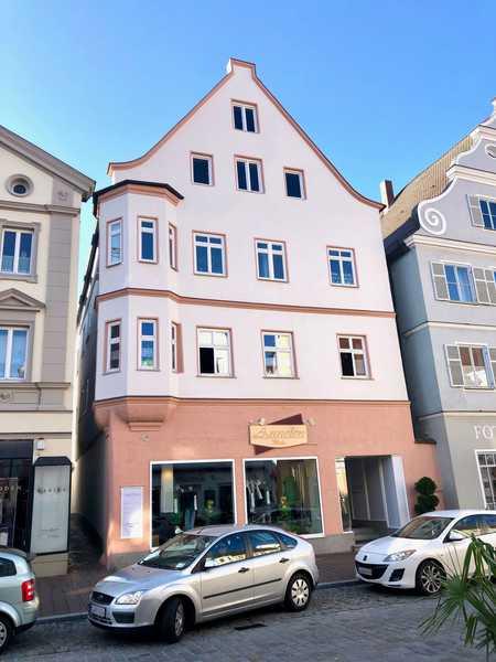Wunderschöne 3-Zimmer-Altbau-Wohnung in Zentrum von Dillingen zu vermieten in Dillingen an der Donau