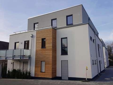 Moderne Neubauwohnung Mit Allem Komfort 88 M Balkon Garage Fur 3