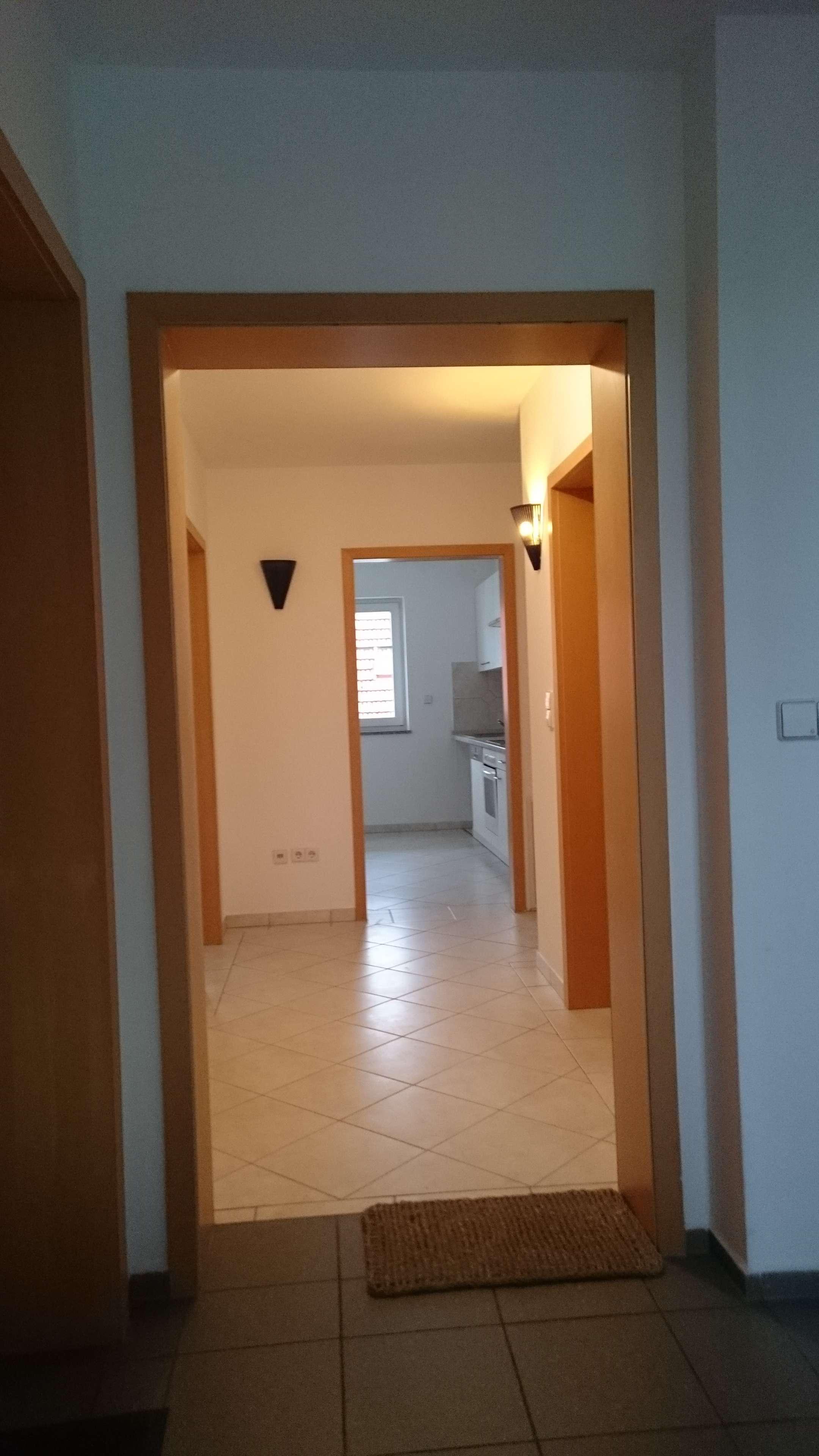 Stilvolle, sanierte 2-Zimmer-Wohnung mit Balkon und Einbauküche in Eching in Eching (Freising)