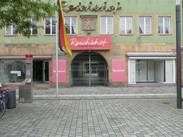 Beide Läden Markiert