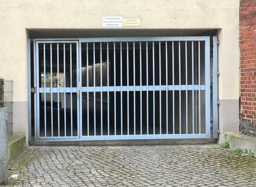 Plätze in gepflegter Tiefgarage zu vermieten