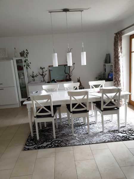 Gepflegte EG-Wohnung mit zwei Zimmern und Einbauküche in Tuntenhausen in Tuntenhausen