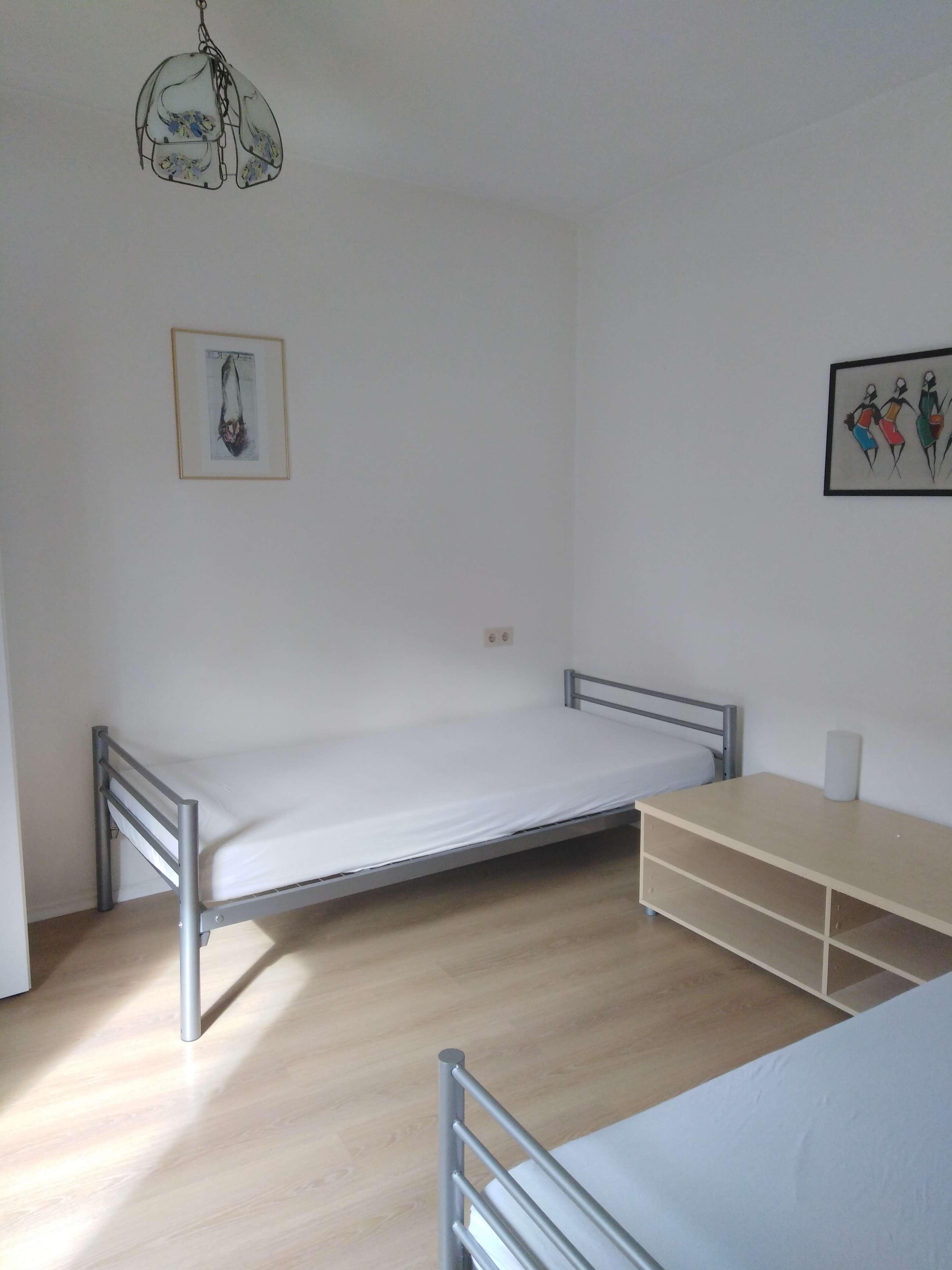 Möbliertes Zimmer in der augsburger Innenstadt in