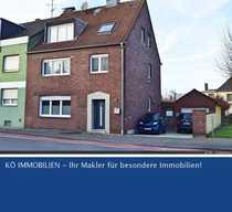 Großzügiges Zweifamilienhaus in Dormagen City