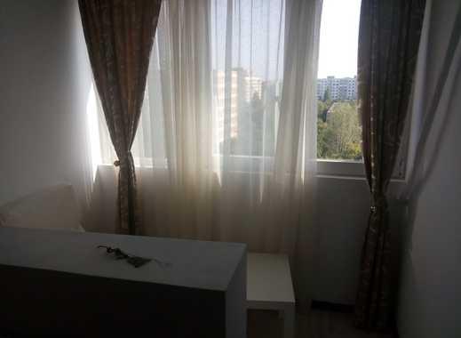 Schöne, geräumige ein Zimmer Wohnung in Stuttgart, Mitte