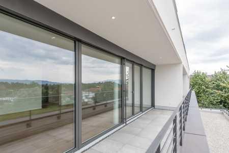 Helle exklusive 3-Zimmer-Wohnung mit Süd-Balkon und Bergsicht in Bodolz