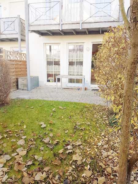 Helles Garten-Appartment in schöner kleiner Anlage ! Sehr ruhig und doch zentral ! in Abensberg