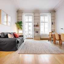 Berlin living Moderne Altbauwohnung mit