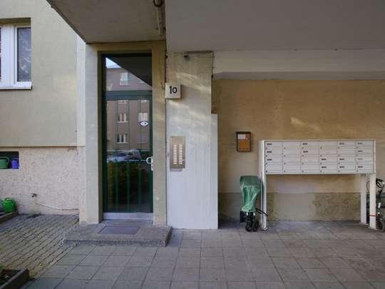 2-Zimmer-Wohnung nahe Innsbrucker Platz mit Südbalkon - Bild 2
