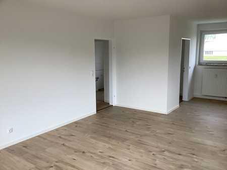 ** familienfreundliche sanierte 4 Raum Wohnung mit Balkon ** in Wunsiedel