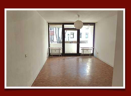 Ab 15.4. - zentrale Stadtlage –ruhiges Apartment mit Loggia,EBK & neuwertim Bad -Nur an Berufstätige