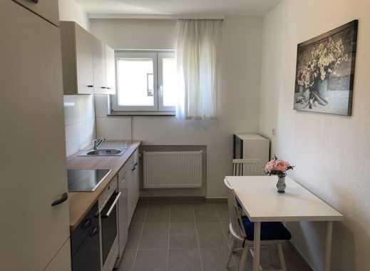 Erstbezug nach Sanierung:  Attraktive möblierte Wohnung mit Balkon in Stuttgart-Degerloch
