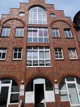 großzügige 3 1 2 Zimmer-Wohnung