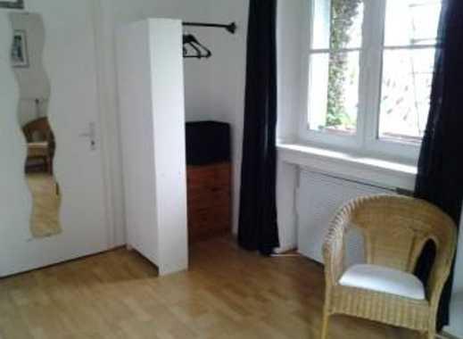 Schönes, helles Balkonzimmer mit Blick ins Grüne    zum 1.11. ev. früher frei