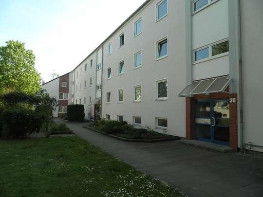 Sanierte 3-Zimmer Wohnung mit Balkon in Groß Buchholz