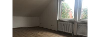 Schöne, helle 3-Zimmer DG-Wohnung in Barkhausen, zentrale Lage