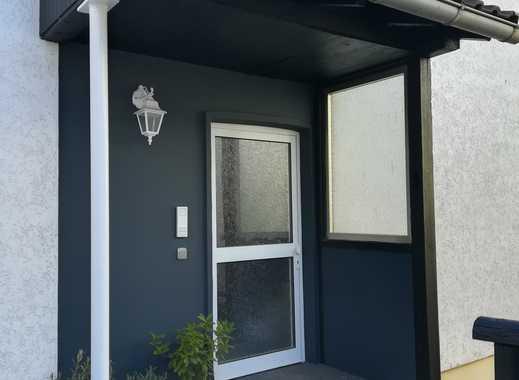 Dachgeschoss-Wohnung in 2-Familienhaus, ruhige Wohnlage