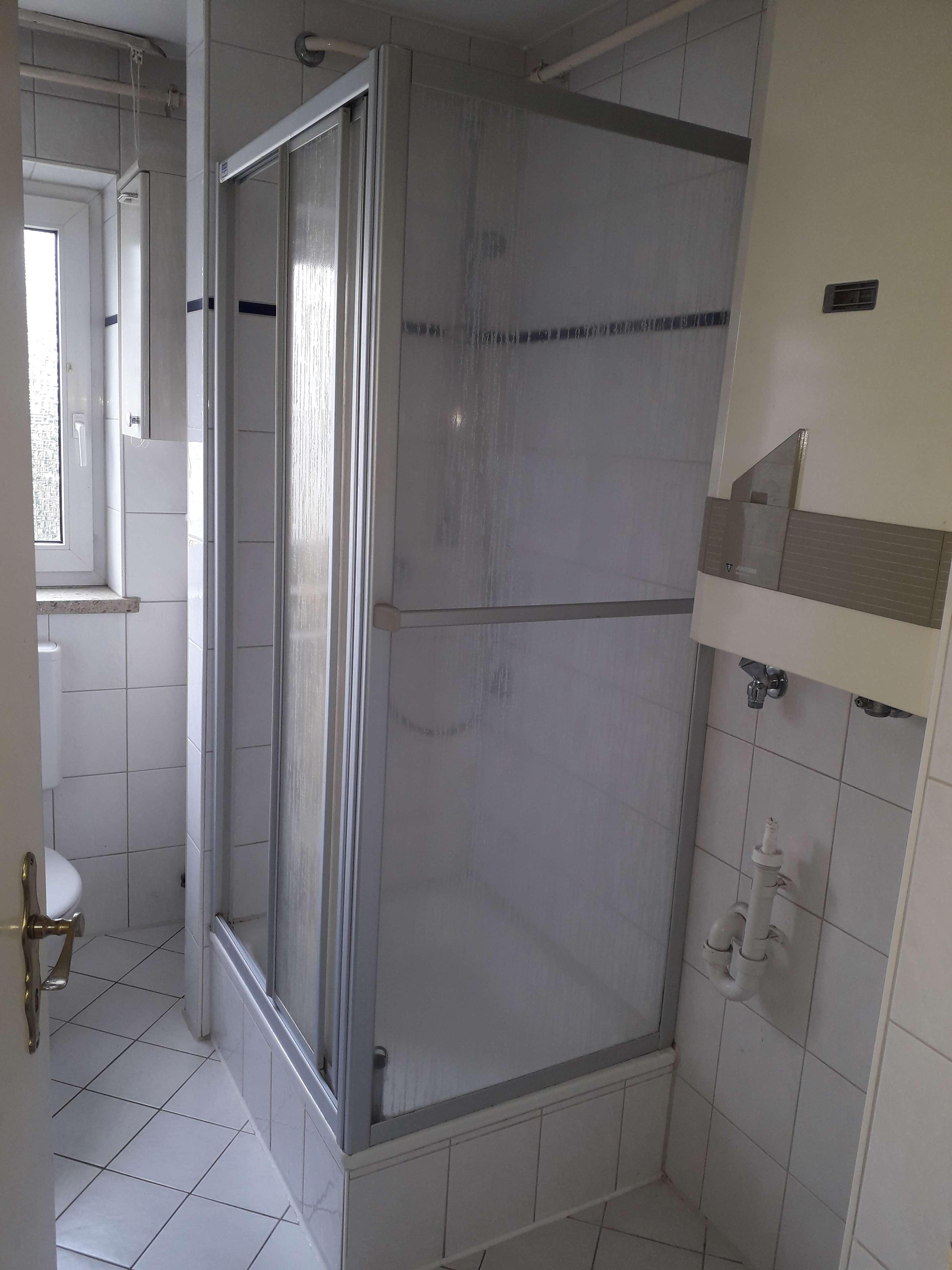 Gepflegte 3-Zimmer-Wohnung mit Balkon und Einbauküche in Augsburg in
