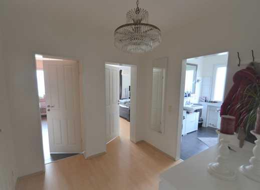Sehr schöne, helle 2-Zimmerwohnung mit Balkon und Stellplatz in gefragter Lage