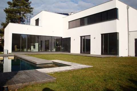 Maxxum - Ihre Immobilien Spezialisten - einzigartige Bauhaus ...