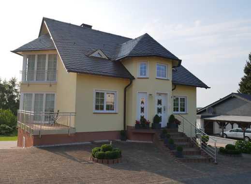 Gepflegte 3-Zimmer-Wohnung mit EBK, Terrasse und Stellplatz in Malborn