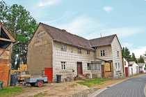 AUKTION Einfamilienhaus mit Nebengebäuden - vermietet