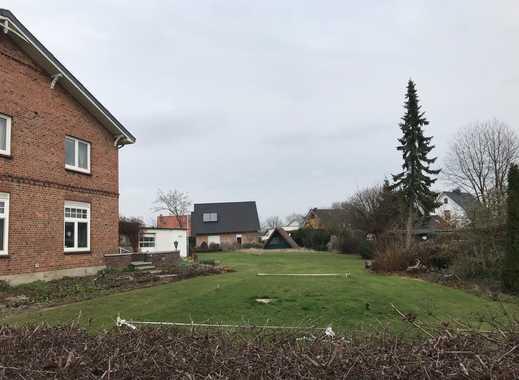 Provisionsfrei! Attraktives Grundstück ideal für 2 DHH und ein EFH im schönen Pinneberg!