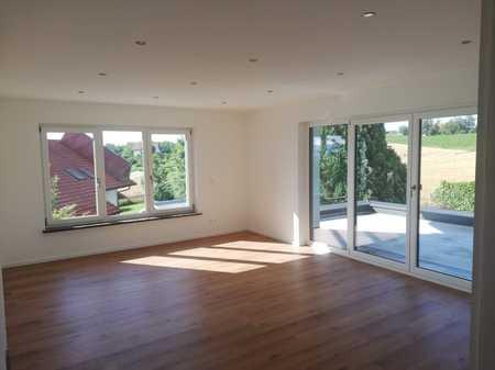 Vollständig renovierte Wohnung mit drei Zimmern sowie Balkon und EBK in Thyrnau in Thyrnau