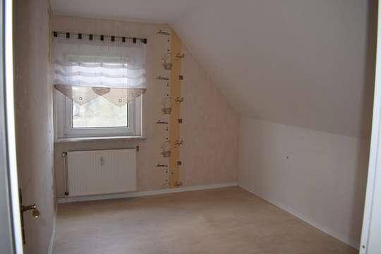 Reizende 2-Raum-DG-Wohnung in Deutzen